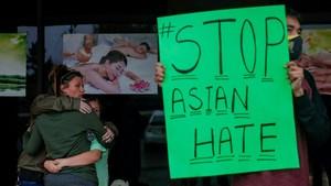 Orang Asia di AS Mulai Beli Senjata untuk Lindungi Diri