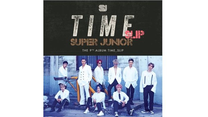 Selang dari Mamacita, Super Junior akhirnya kembali menyapa penggemar pada tahun 2019 setelah seluruh anggotanya menyelesaikan wajib militer. Album Time Slip ini juga sukses masuk ke jajaran Top 10 album di dunia, loh! / foto: smtown.com