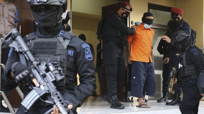48 Tersangka Teroris Ditangkap Densus, 5 Orang Masih Buron