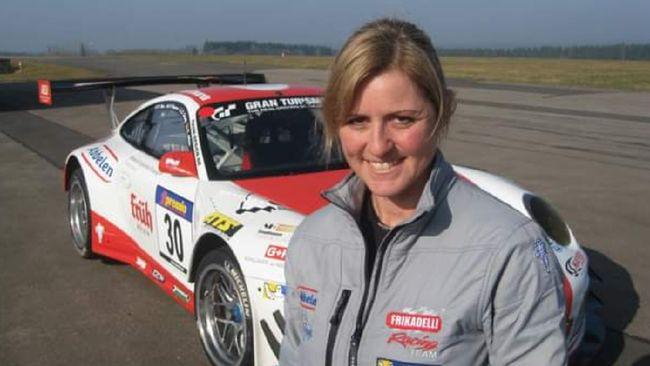Sabine Schmitz pembalap wanita yang memenangkan balapan 24 Jam di Nurburgring meninggal dunia pada usia 51 tahun.