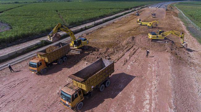 Data yang dihimpun, sedikitnya 17 jalan tol dalam proses pembangunan tahun ini. Kemudian, pembangkit listrik dan 4.694 paket infrastruktur di Kementerian PUPR.