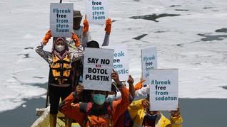 Sungai di Surabaya Bak Salju karena Limbah, Ekosistem Kritis