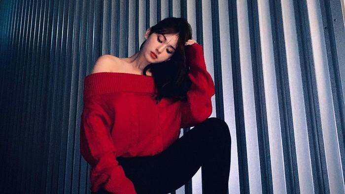 Intip 8 Outfit Jeon Somi yang Selalu Tampil HOT but Cute