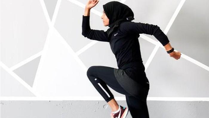 Tetap Nyaman dan Bugar, Rekomendasi 5 Outfit Olahraga untuk Perempuan Berhijab