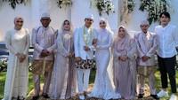<p>Ikbal mengucapkan ijab kabul dengan satu tarikan napas pada saat menjalani akad nikah. Foto: Instagram: @ikbalicious_ofc)</p>