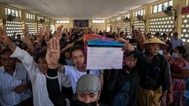 Pegiat Film Korsel Unjuk Solidaritas Tolak Kudeta Myanmar