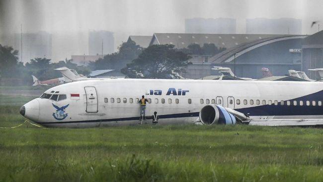 Anggota Komisi V DPR Irwan meminta Kemenhub segera melakukan ramp check seluruh pesawat usai armada Trigana Air tergelincir di Bandara Halim Perdanakusuma.