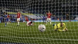Man Utd Gigit Jari, Peluang Juara Tinggal Liga Europa