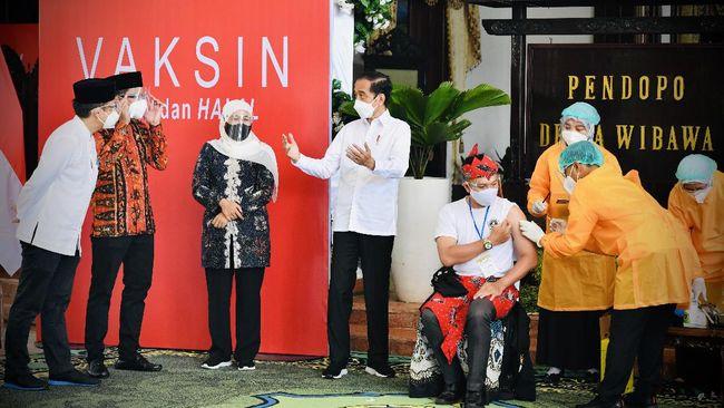 Presiden Jokowi ingin mempercepat proses vaksinasi. Dia meminta Pemda menghabiskan seluruh stok vaksin Covid-19.