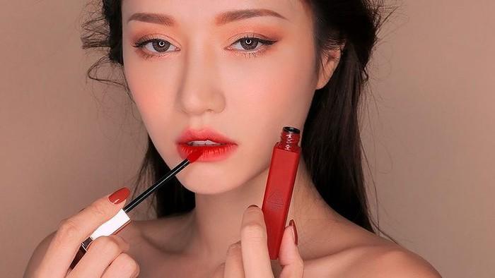 5 Ciri-ciri Makeup Kedaluwarsa, Jangan Dipakai Lagi!