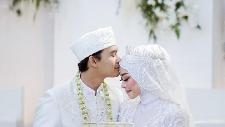 Berikut adalah momen bahagia pernikahan Ikbal Fauzi 'Ikatan Cinta' dengan sang kekasih.