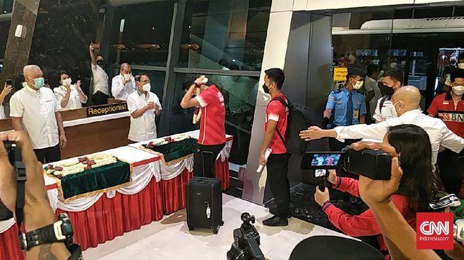 Pengamat hukum olahraga nasional Eko Maung merespons serangan netizen yang menggeruduk media sosialnya soal tim badminton Indonesia di All England.