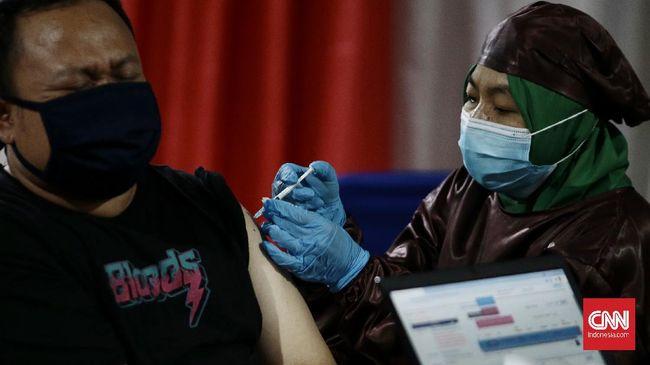 Penerima vaksin diimbau agar tak mengunggah sertifikat vaksin ke media sosial karena dapat membahayakan data pribadi.
