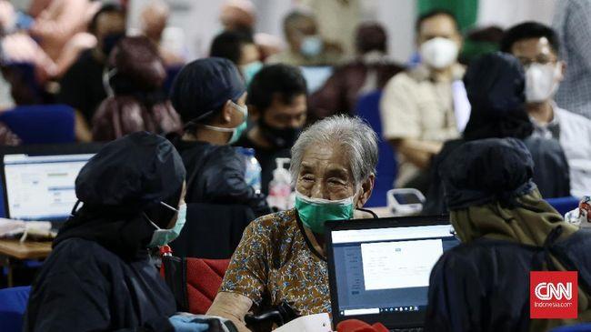 Dinas Kesehatan (Dinkes) Kota Tangerang menyatakan telah melakukan vaksinasi terhadap setidaknya 100 ribu jiwa, di mana 38 ribu di antaranya merupakan lansia.