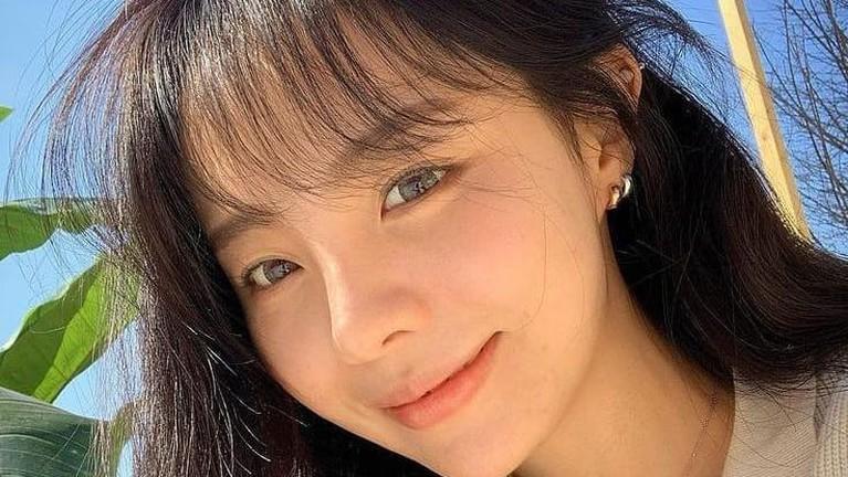 Berikut potret cantik Jung Ji Woo, kakak kandung J-Hope BTS yang masuk Cube Entertainment