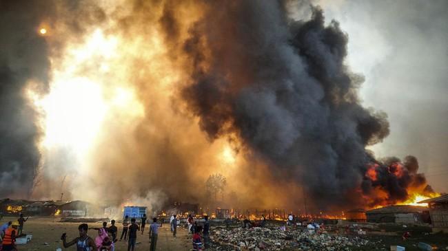 Kebakaran besar kembali melanda kamp pengungsi Rohingya di perbatasan Bangladesh