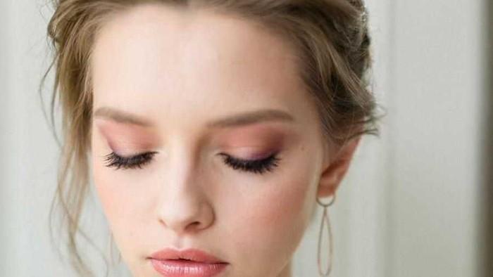 Tips Make Up Flawless dan Tahan Lama di Hari Pernikahan