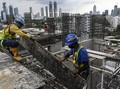 FOTO: Sentuhan Tangan Pekerja Merenovasi Taman Ismail Marzuki