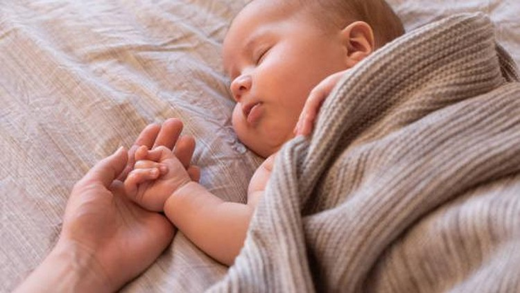 Bunda masih bingung memilih nama untuk Si Kecil? Berikut ini nama bayi laki-laki islami modern yang bisa Bunda jadikan referensi.