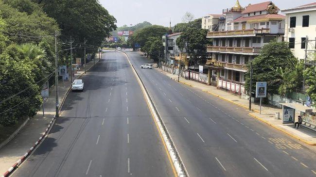 Mengantisipasi lonjakan kasus Covid-19, Myanmar menutup akses kegiatan kota-kota yang berdekatan dengan India.