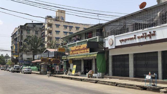 Junta militer Myanmar menutup sekolah di tujuh kota yang berdekatan dengan India akibat lonjakan penularan Covid-19 dalam beberapa waktu belakangan.