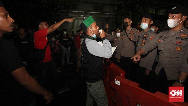 Dugaan salah tangkap terhadap aktivis di sekretariat HMI Hulu Sungai Utara Kalsel sedang diusut Polda Kalimantan Selatan.