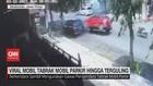 VIDEO: Viral Mobil Tabrak Mobil Parkir Hingga Terguling