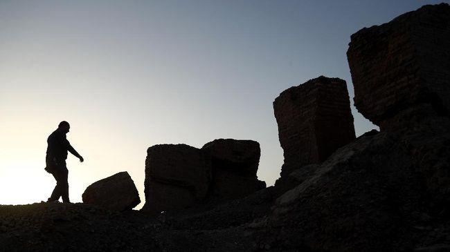 Babilonia yang sempat menjadi salah satu peradaban termashyur di dunia. Hukum tertulis dan desain arsitektur megah awalnya tercipta di sini.