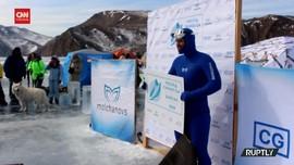 VIDEO: Pria Rusia Pecahkan Rekor Dunia Menyelam Di Bawah Es