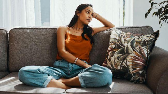 Studi terbaru menunjukkan mengkhayal dapat membuat seseorang merasa lebih bahagia. Aktivitas sederhana ini baik untuk kesehatan mental.