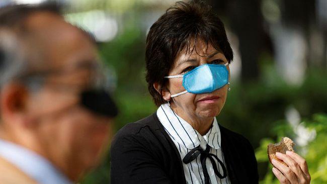Peneliti di Meksiko membuat masker Covid-19 baru yang dirancang khusus untuk dipakai orang-orang pada saat makan, yaitu masker hidung.