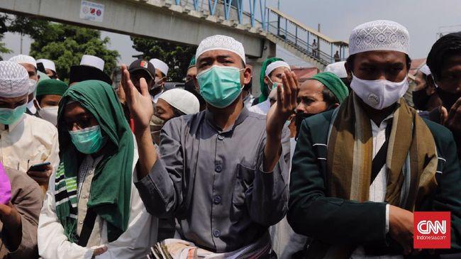 Simpatisan Rizieq Shihab dikabarkan mulai bergerak menuju Jakarta untuk menghadiri sidang vonis di Pengadilan Negeri Jakarta Timur.