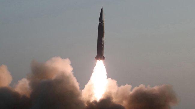 China dikabarkan memperluas kompleks pengujian senjata nuklir, di gurun barat negara itu. Citra satelit menunjukkan terowongan bawah tanah sedang digali.