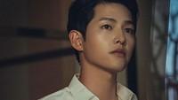 <p>Menggeluti akting sejak 2008 silam, wajah Song Joong Ki sudah sering menghiasi layar kaca di berbagai judul drama Korea. Pria tampan kelahiran Daejeon itu selalu tampil memesona di setiap kesempatan. (Foto: Instagram @tvndrama.official)</p>