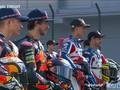 VIDEO: Pose Pembalap Tim Mandalika di Sesi Foto Moto2 2021