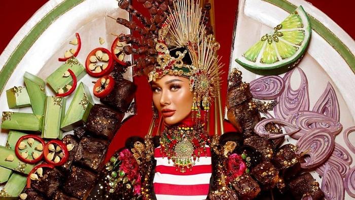 Unik! Aurra Kharisma Wakili Indonesia dengan Kostum Sate di Miss Grand International