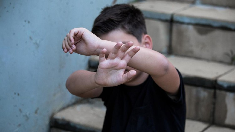 Stop abusing boy violence. violence, terrified , A fearful child