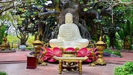 Taman Hiburan Bertema Buddha Ada di Vietnam