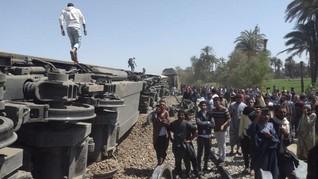 Kereta Api Tergelincir di Mesir, 11 Orang Tewas dan 98 Luka