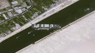 Kapal Raksasa Diprediksi Hari Ini Bebas dari Terusan Suez