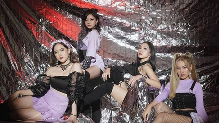 Yuk, Kenalan dengan GLASS, Girl Group Rookie yang Ciamik!