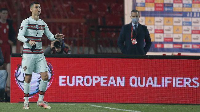 Wasit Danny Makkelie mengaku salah tidak mengesahkan gol Cristiano Ronaldo di laga Serbia vs Portugal dalam lanjutan Kualifikasi Piala Dunia 2022.