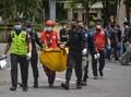 FOTO: Jejak Hitam Ledakan Bom Gereja Katedral Makassar