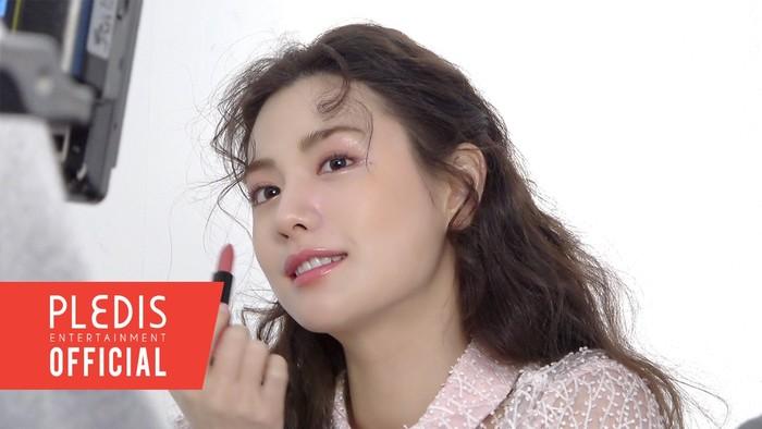 Tidak heran, Nana sering berkolaborasi dengan berbagai brand make up populer / foto: pledisentertainment