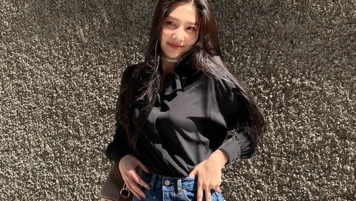 Mix and Match Gaya Berpakaian Casual Ala Joy Red Velvet untuk Sehari-hari