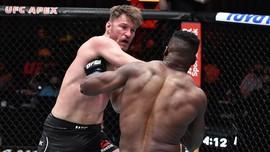 UFC 260: Dipukul KO Ngannou, Miocic Absen 60 Hari