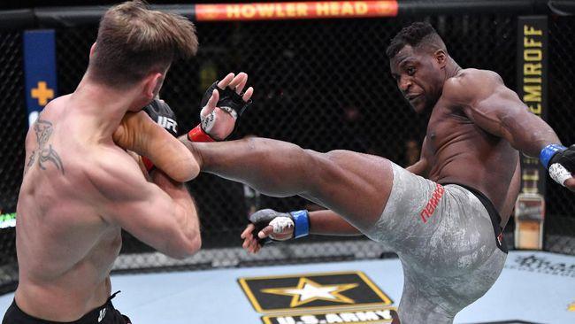 Juara kelas berat UFC Francis Ngannou bingung bisa mengalahkan Stipe Miocic dengan kemenangan KO pada perebutan sabuk juara di UFC 260.