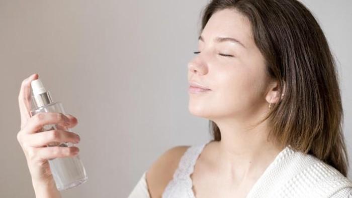 5 Setting Spray untuk Kamu yang Memiliki Kulit Berminyak