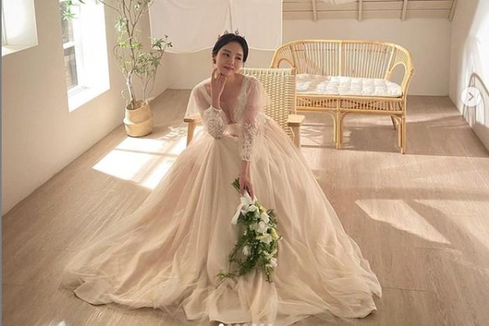 Dikabarkan telah bertunangan dengan kekasihnya, Jung Ji Woo akan segera menikah pada tahun ini / foto: instagram.com/mejiwoo103