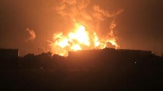 Pertamina: Masih Ada 1 Titik Api Menyala di Kilang Cilacap